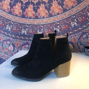 Tilly's Booties